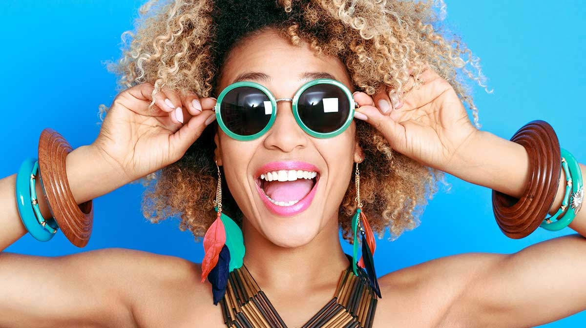 Sunglasses and Lipstick: The Perfect Pairs