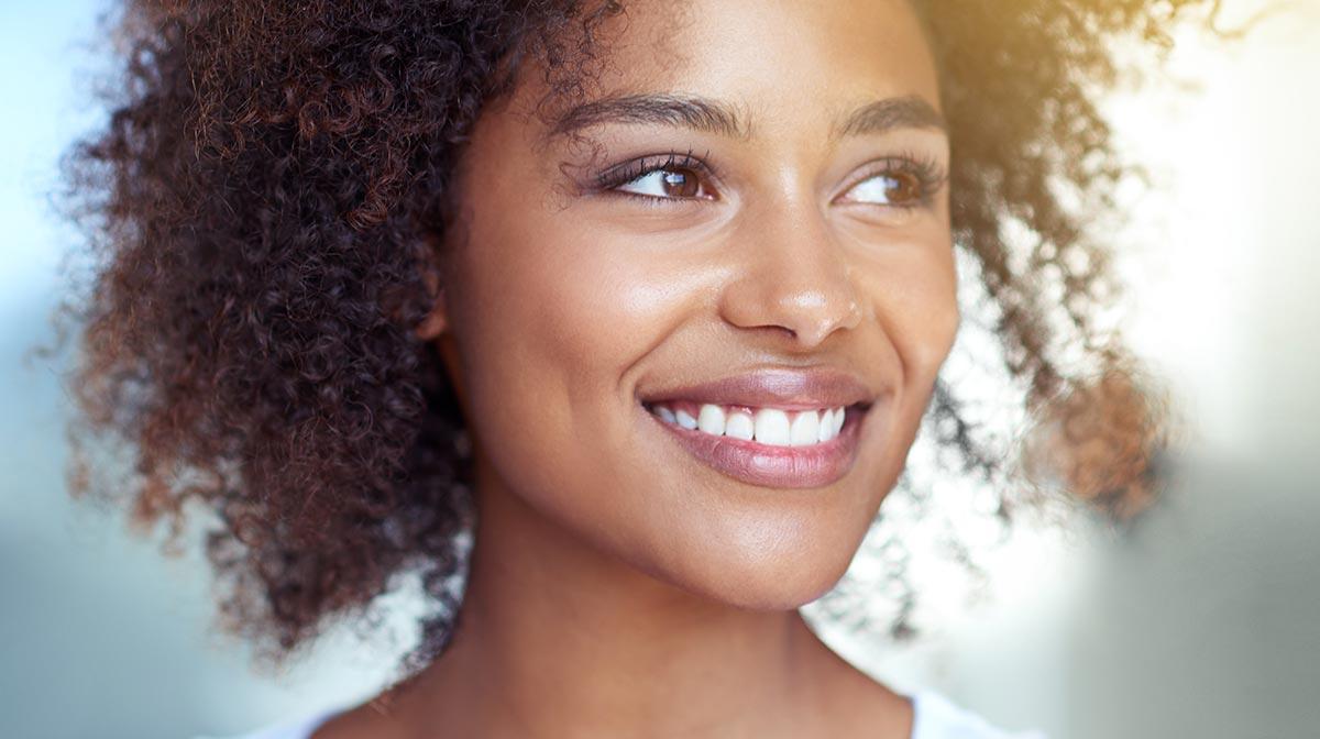 Glowing Summer Makeup for Dark Skin