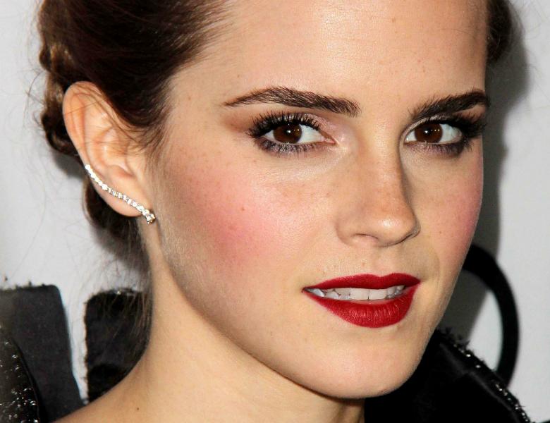 Cheekbone blush Emma Watson