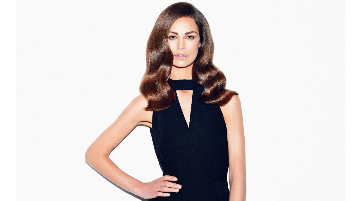 Step-by-Step Hollywood Waves with ghd