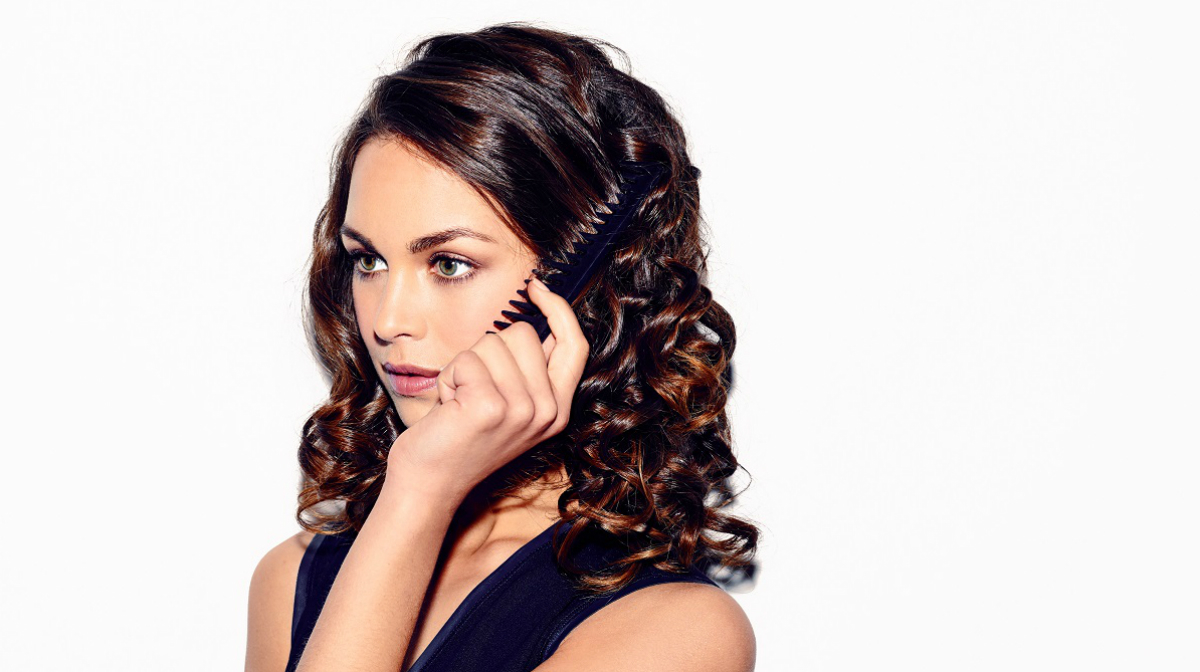 Step-by-Step Voluminous Curls with ghd