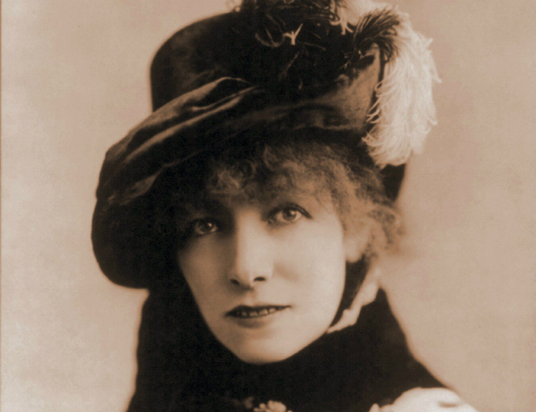 Sarah Bernhardt Red Lipstick