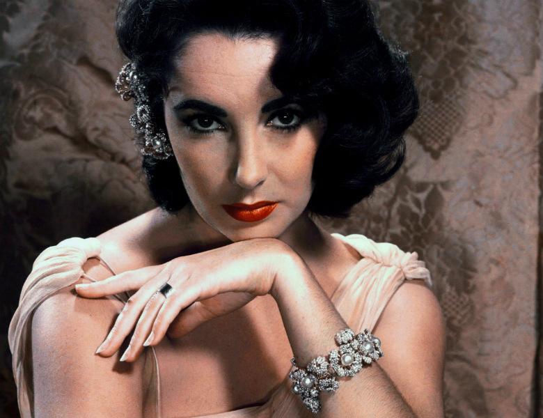Elizabeth Taylor red lipstick
