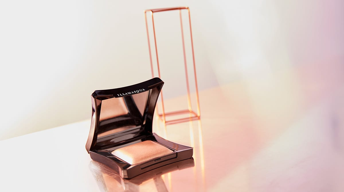 Beauty Discoveries: I is for the Illamasqua Beyond Powder