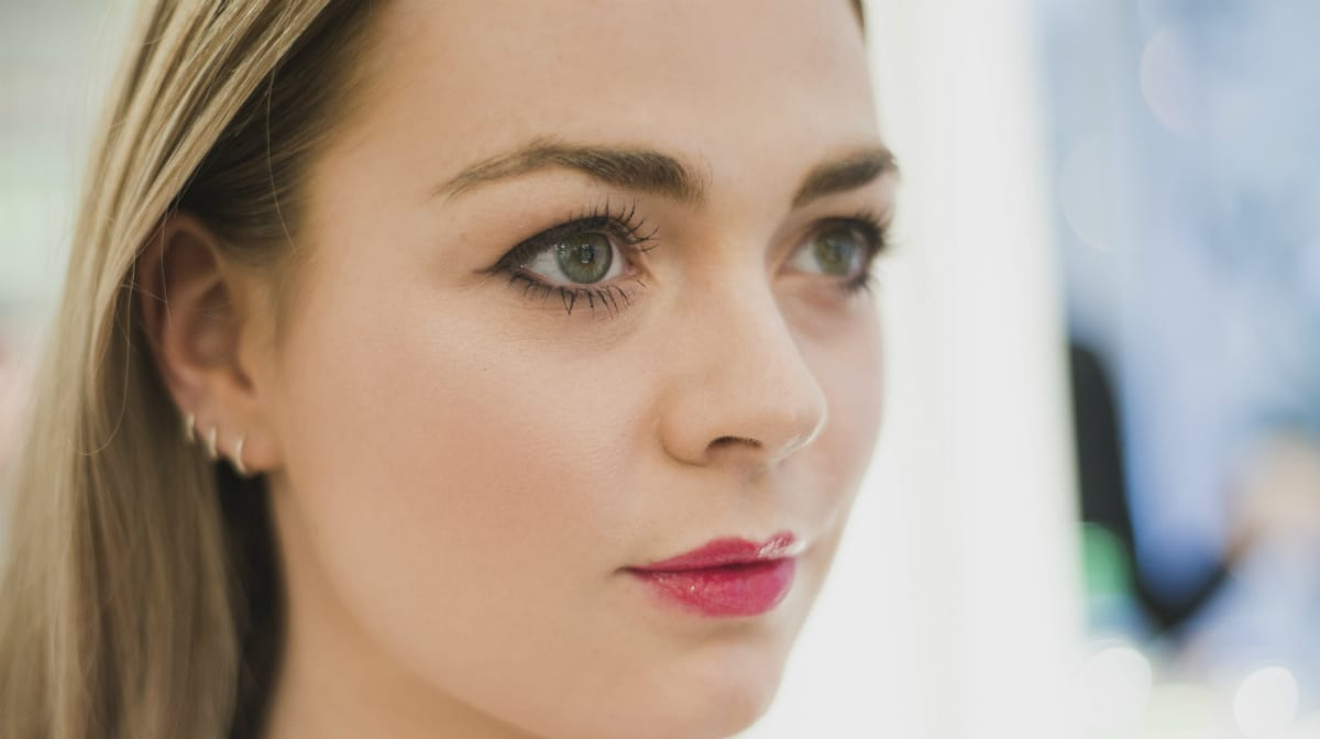 A Dewy Makeup Look After The Gym With Pixi