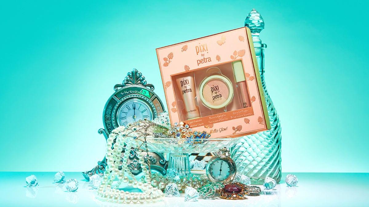 Day 25 Advent Reveal: Pixi Hello Glow Kit