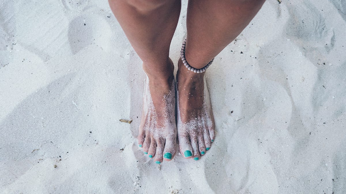 5 blue nail polishes for a marine-inspired summer