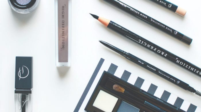 How to achieve brushed-up brows with HD Brows