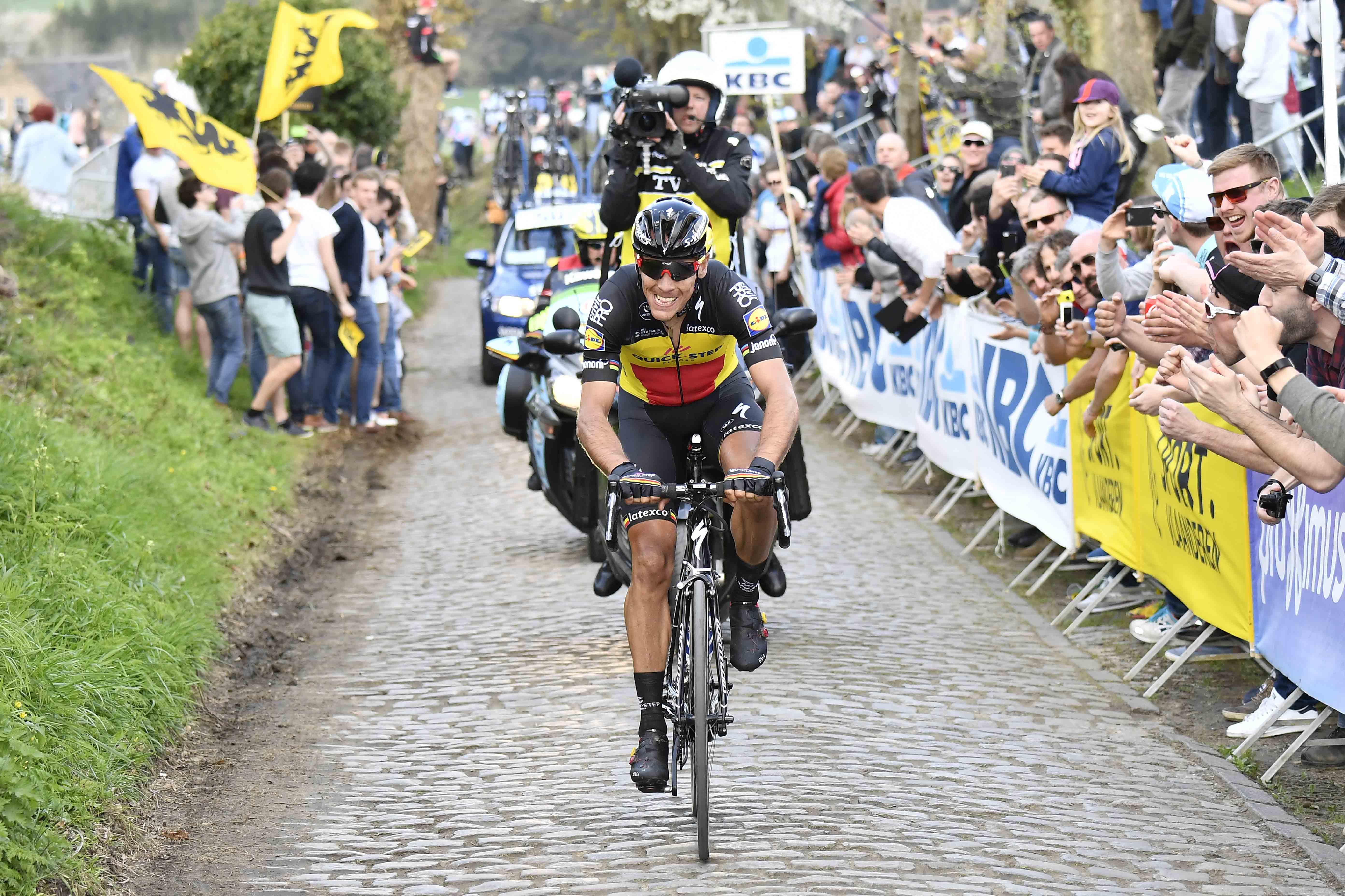 Cycling: 101st Tour of Flanders 2017 / Men Philippe GILBERT (BEL)/ Oude Kwaremont / Antwerpen - Oudenaarde (260Km)/ Ronde van Vlaanderen / RVV / pool dw © Tim De Waele
