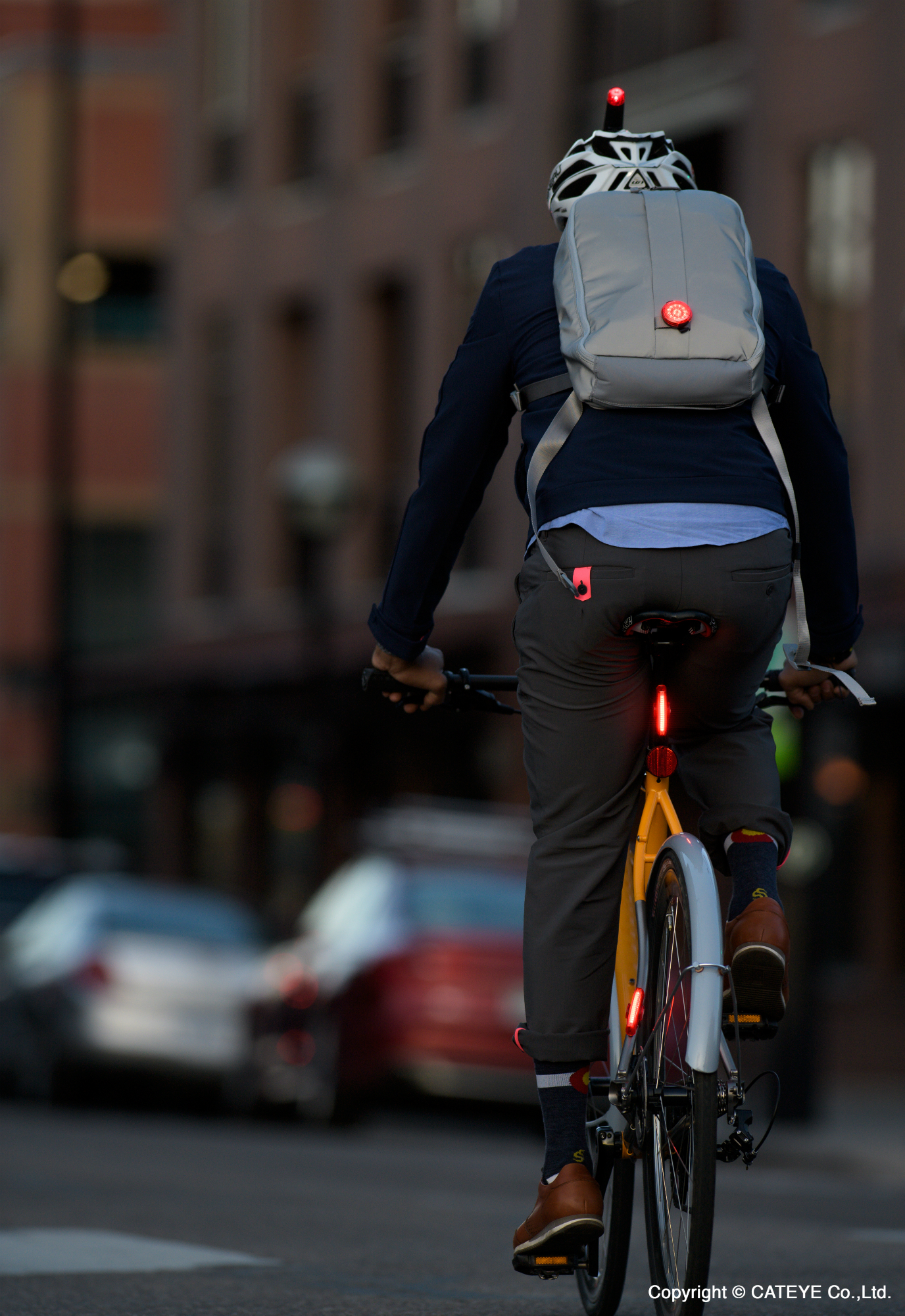 balance cycling and work by commuting to work