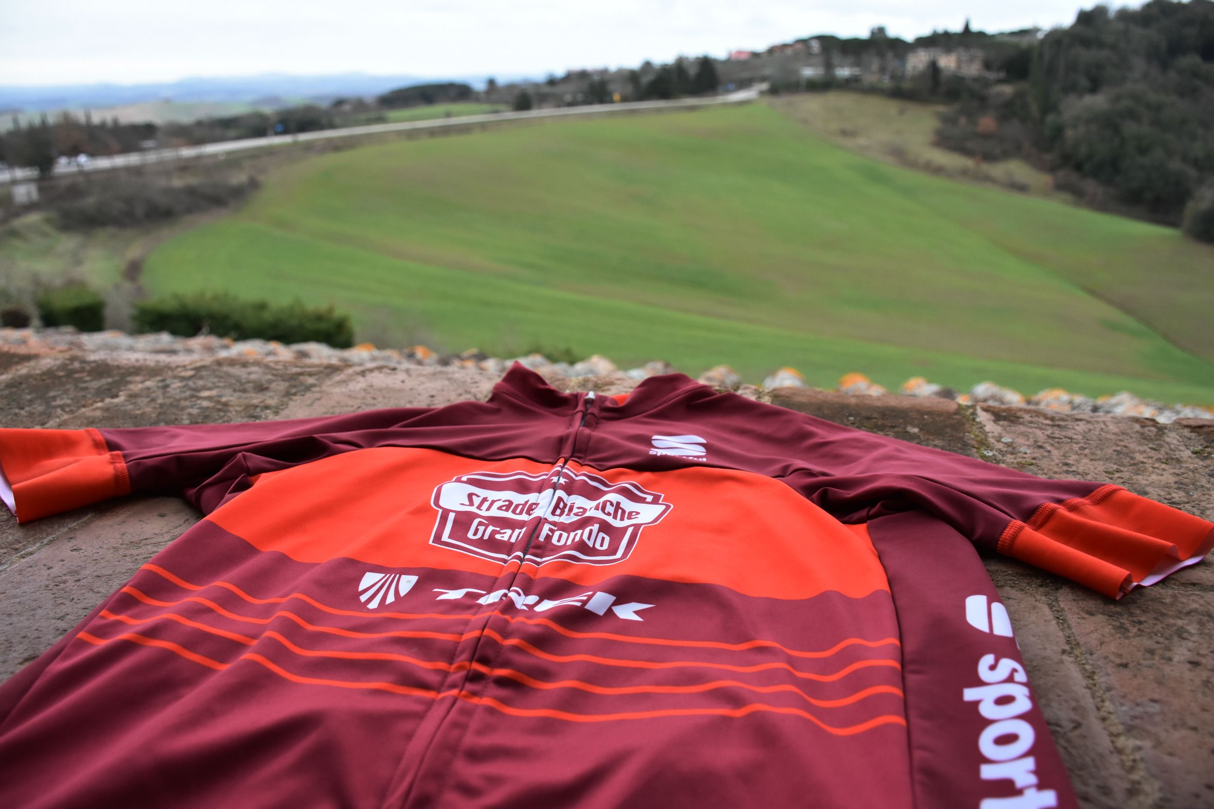 The bodyfit pro classics jersey on a windowsill in Tuscany.