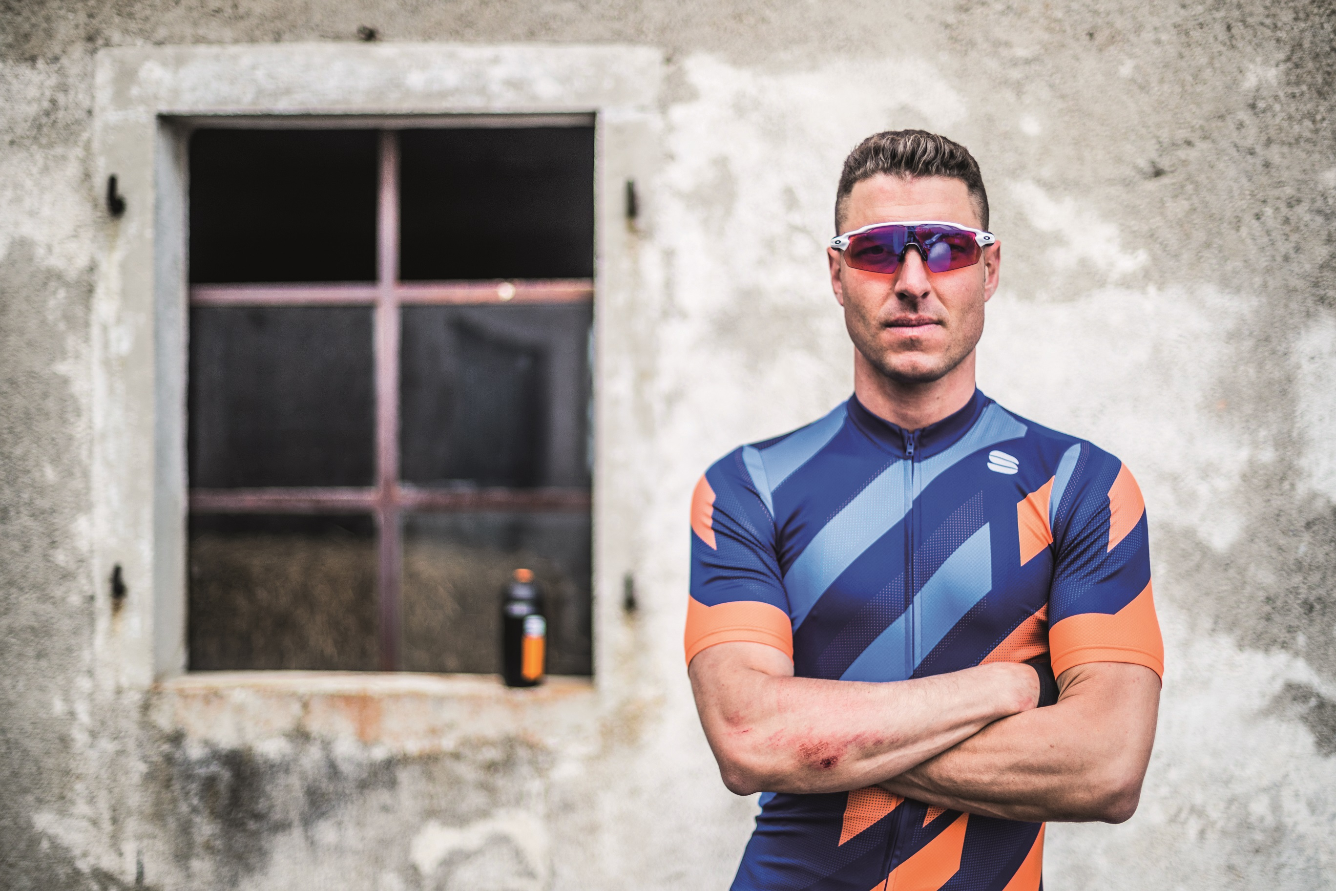 an italian rider wearing the volt jersey from sportful.