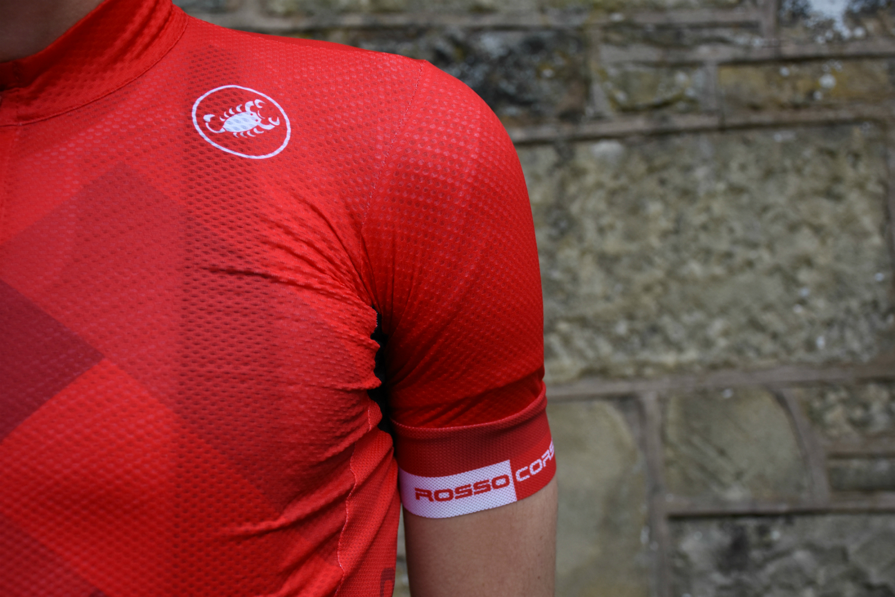 a close-up of the castelli free AR 4.1 jersey in red