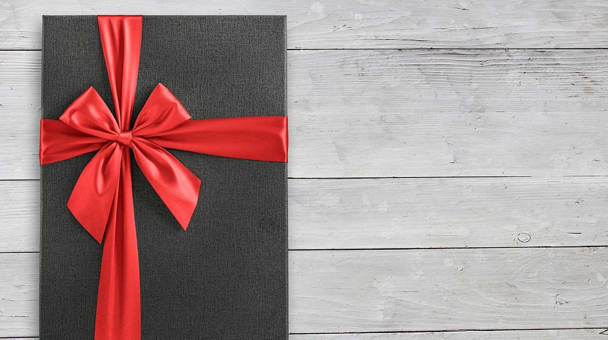 THE BEST VALENTINE'S GIFTS FOR HIM