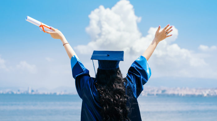 These are the 10 easiest industries for graduates to find a job