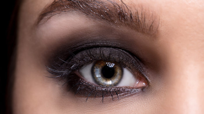 How to Achieve a Smokey Eye