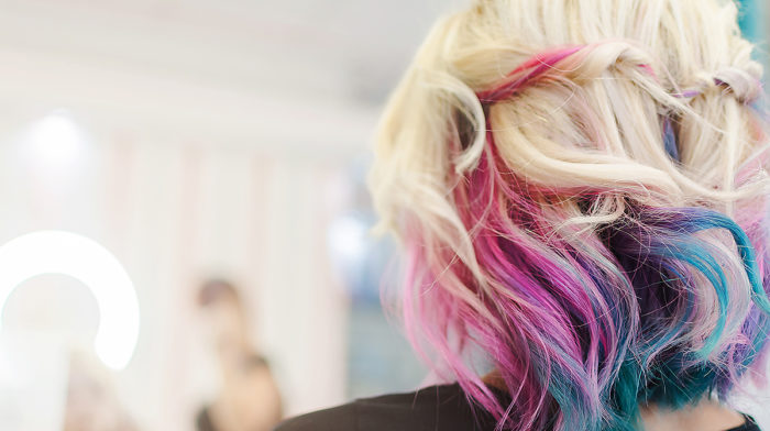 How to Dye Your Own Hair At Home