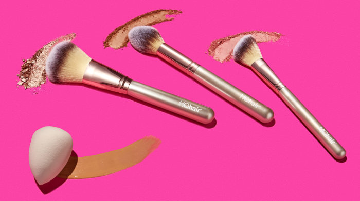 FLEEKY FO' FREE: YOUR FREE MAKEUP BRUSHES AND SPONGE GIFT