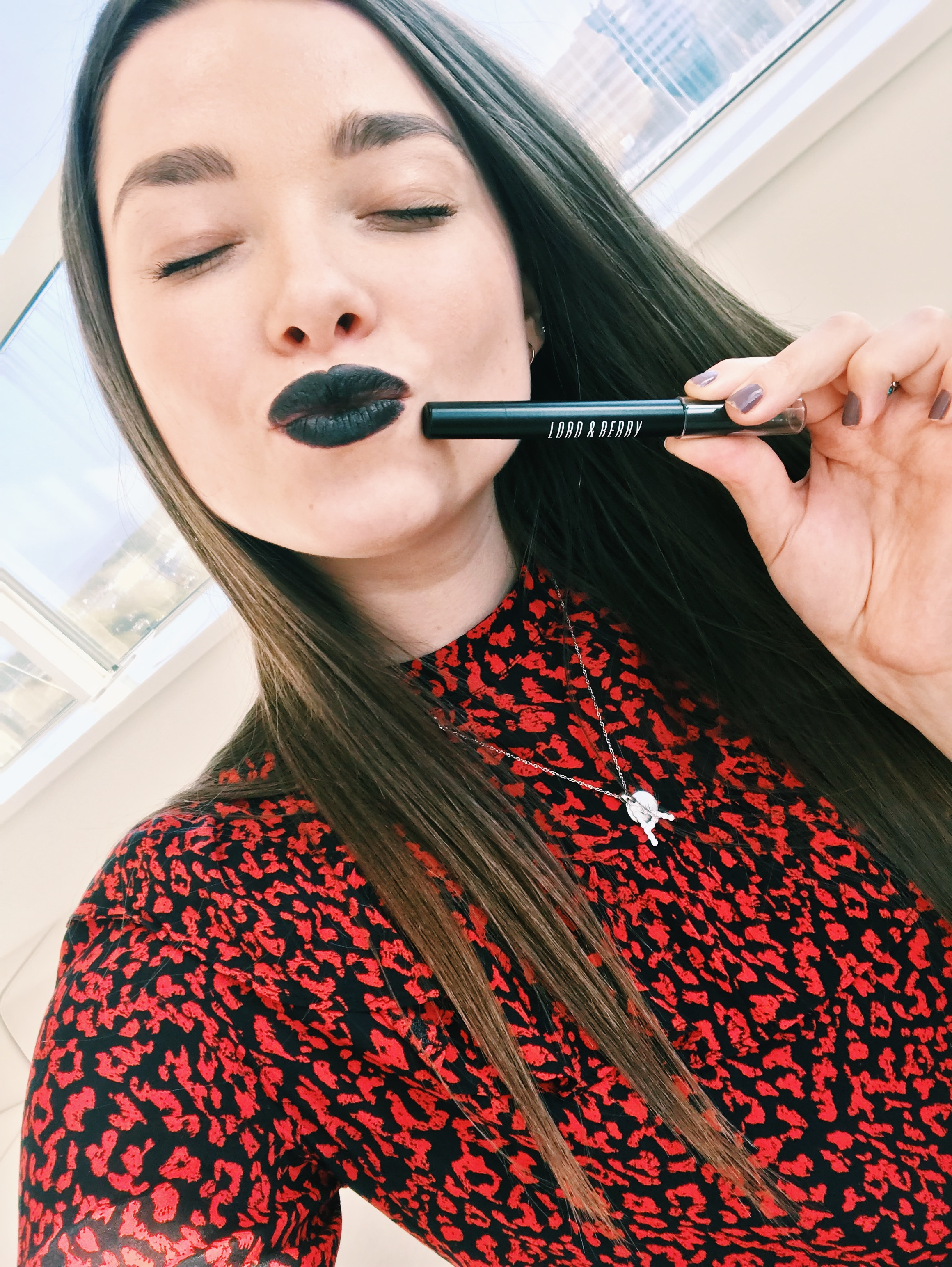 Lord and Berry Matte Lipstick Crayon Black Reviews | HQhair Blog