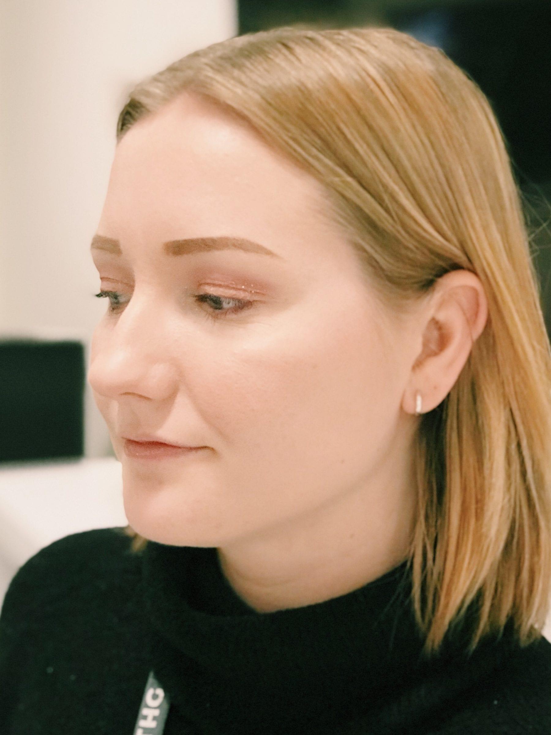 Best Glitter Makeuop Diamond Dew Review | HQhair Blog