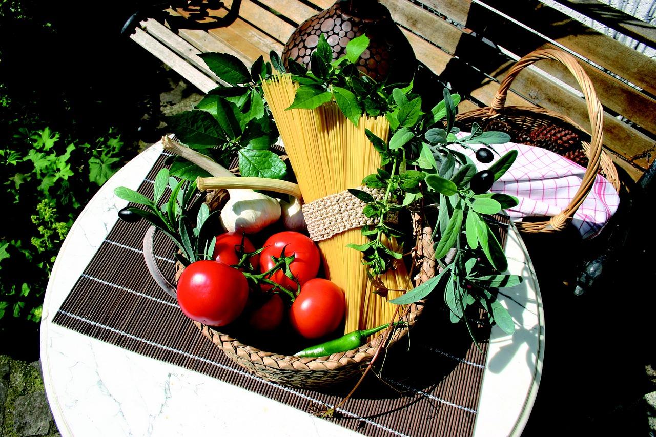 One Pot Tomato Pasta