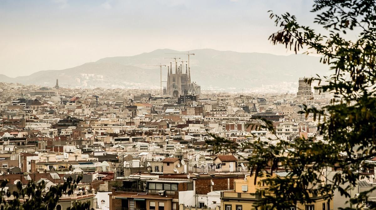 barcelona daytime cityscape