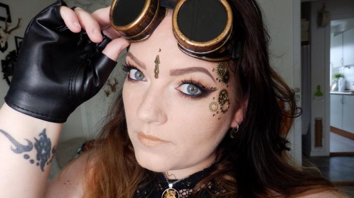 Halloween Look Pictorial: Steam Punk Girl