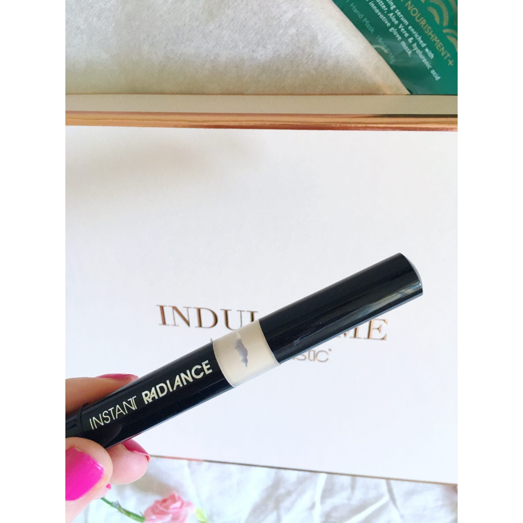 Indulge Me Beauty Box med ModelCo
