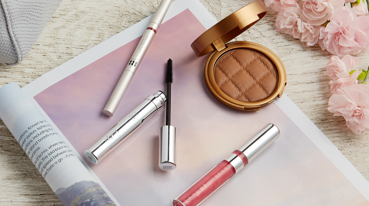 Top 10 Makeup Products for Hand Luggage Travel