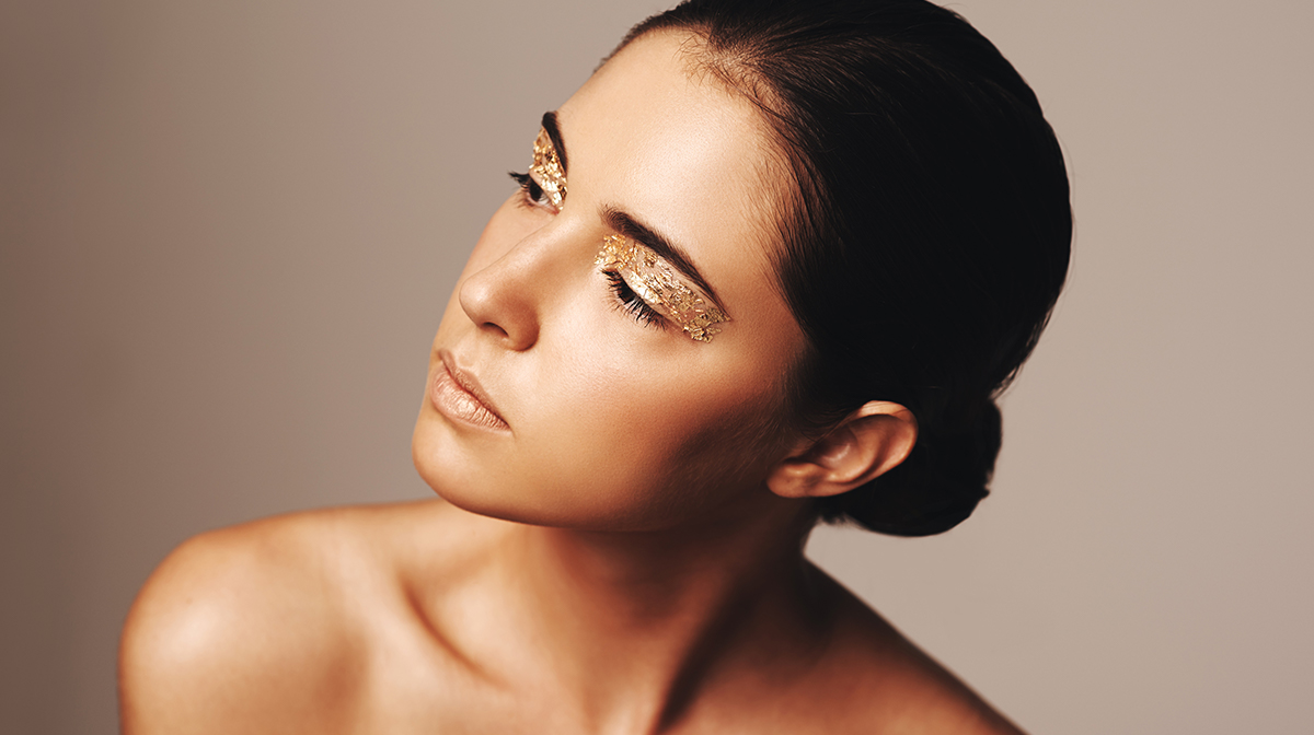 How to Create a Gold Makeup Look