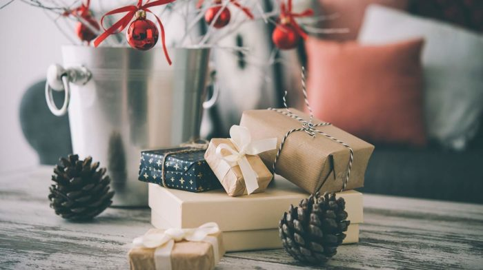 Easy Christmas Decorating Hacks