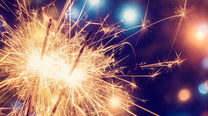 Our Expert Tips for Throwing a Bonfire Night Party