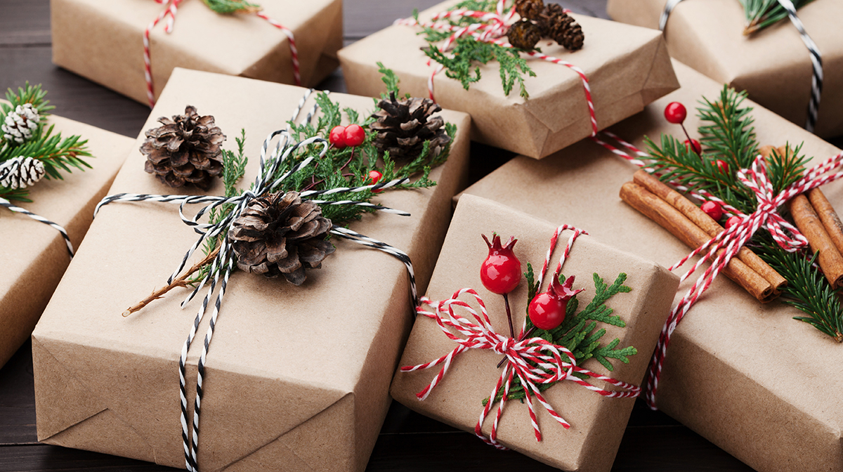 How to Wrap Presents with Ease