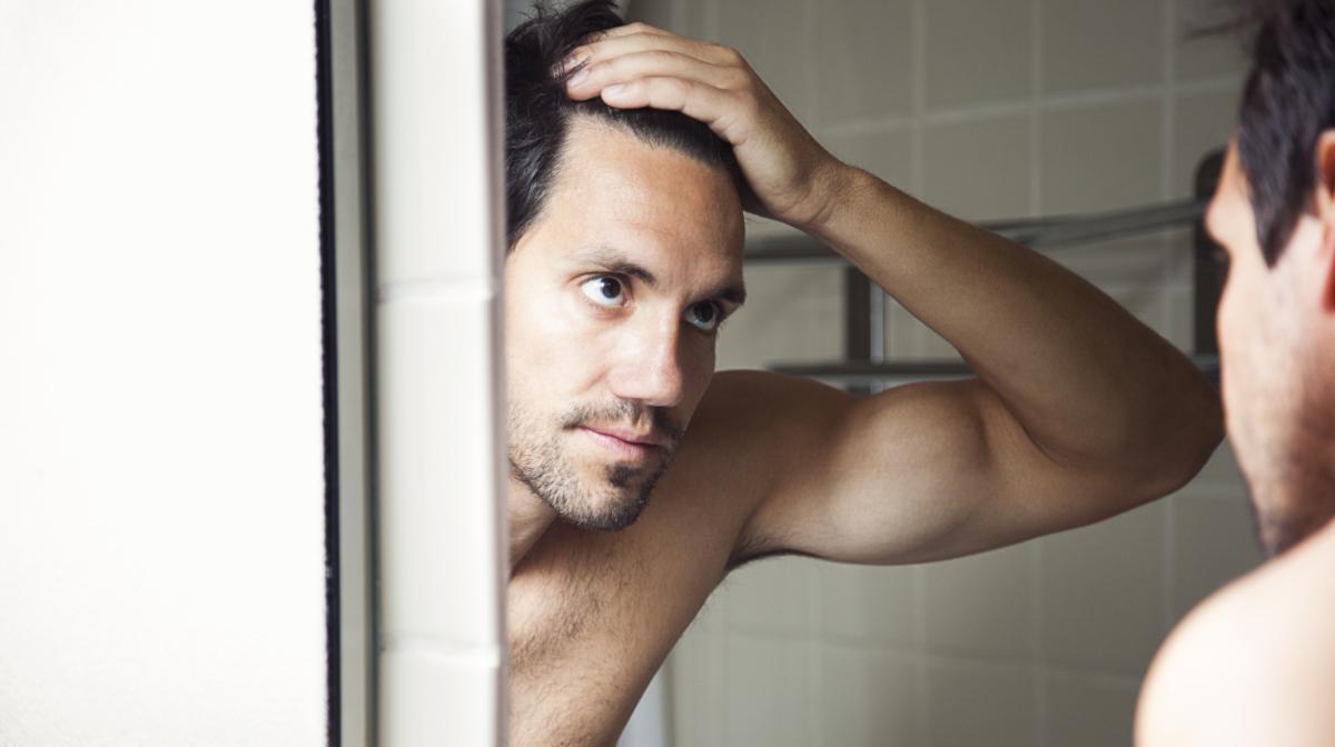 6 Of The Best Anti Dandruff Shampoos For Men