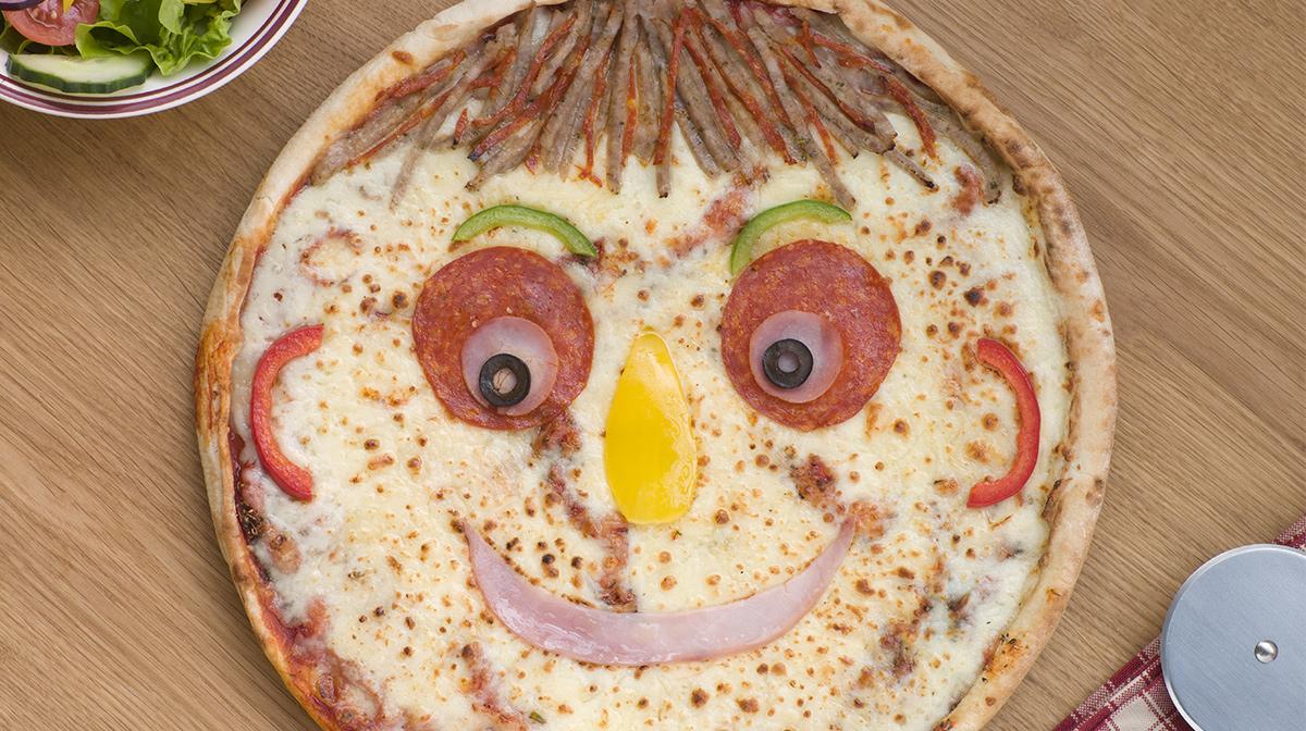 Pizza facial preassembled sheet mask