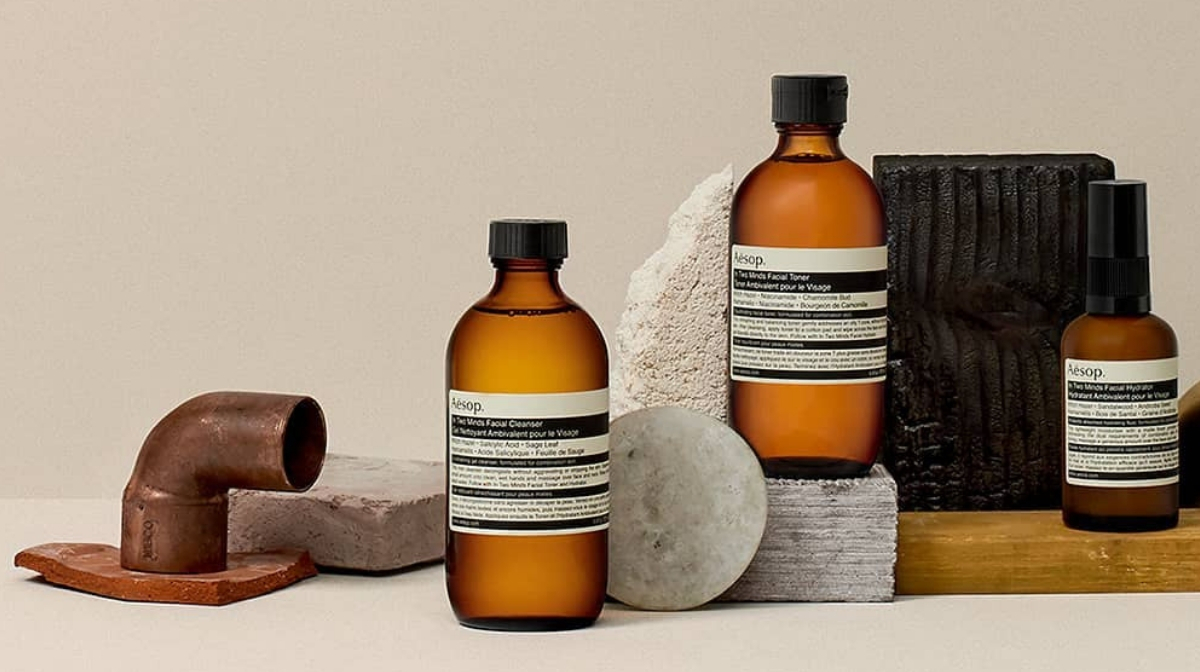 Aesop in two minds range