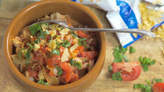 Ζυμαρικά πρωτεΐνης με Γαρίδες και Σάλτσα Πιπεριάς