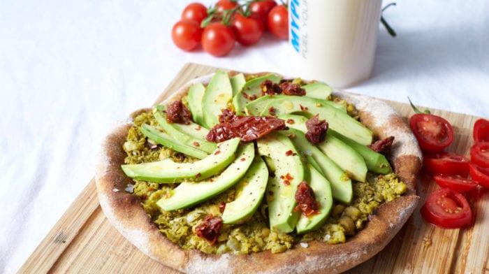 Συνταγές Vegan σε 15 λεπτά | Πίτσα με Αβοκάντο