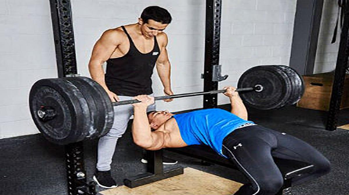 Ασκήσεις στήθους: συμβουλές για σωστή προπόνηση