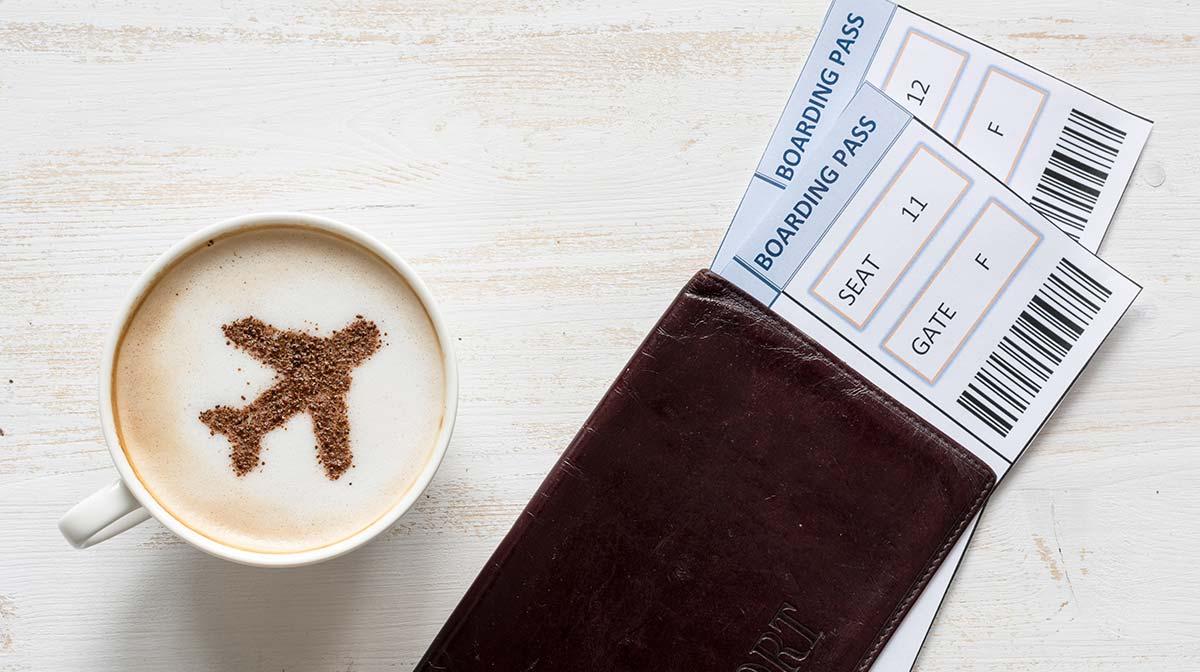 reisen flugtickets kaffee