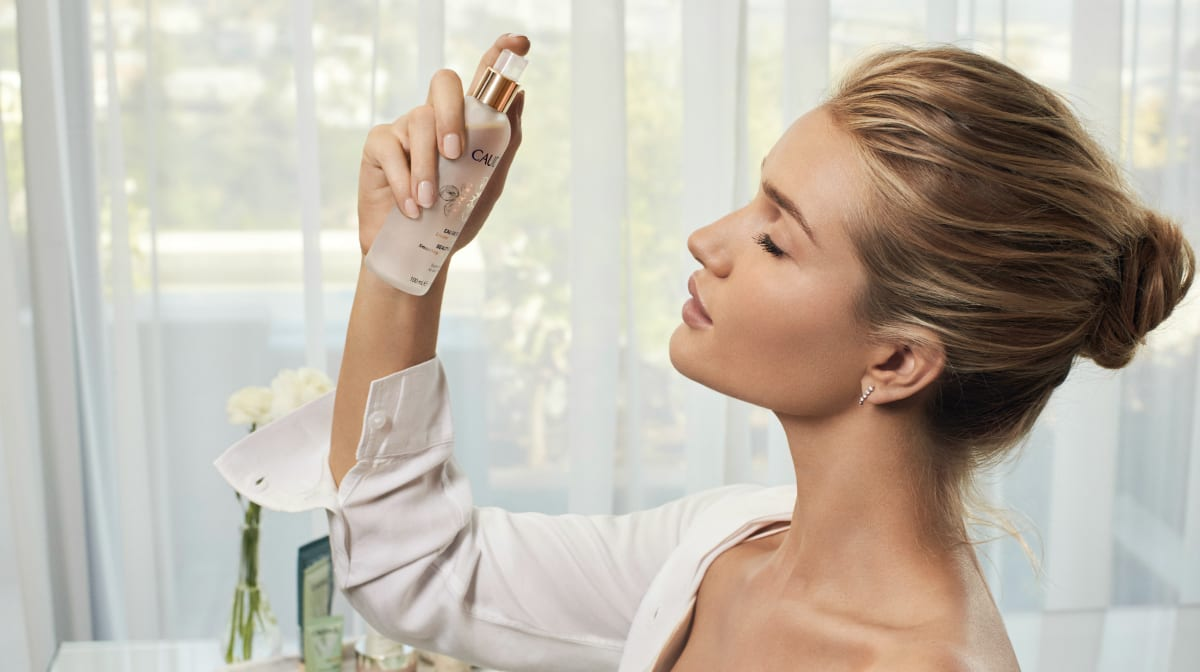 rosie huntington-whiteley caudalie beauty elixir