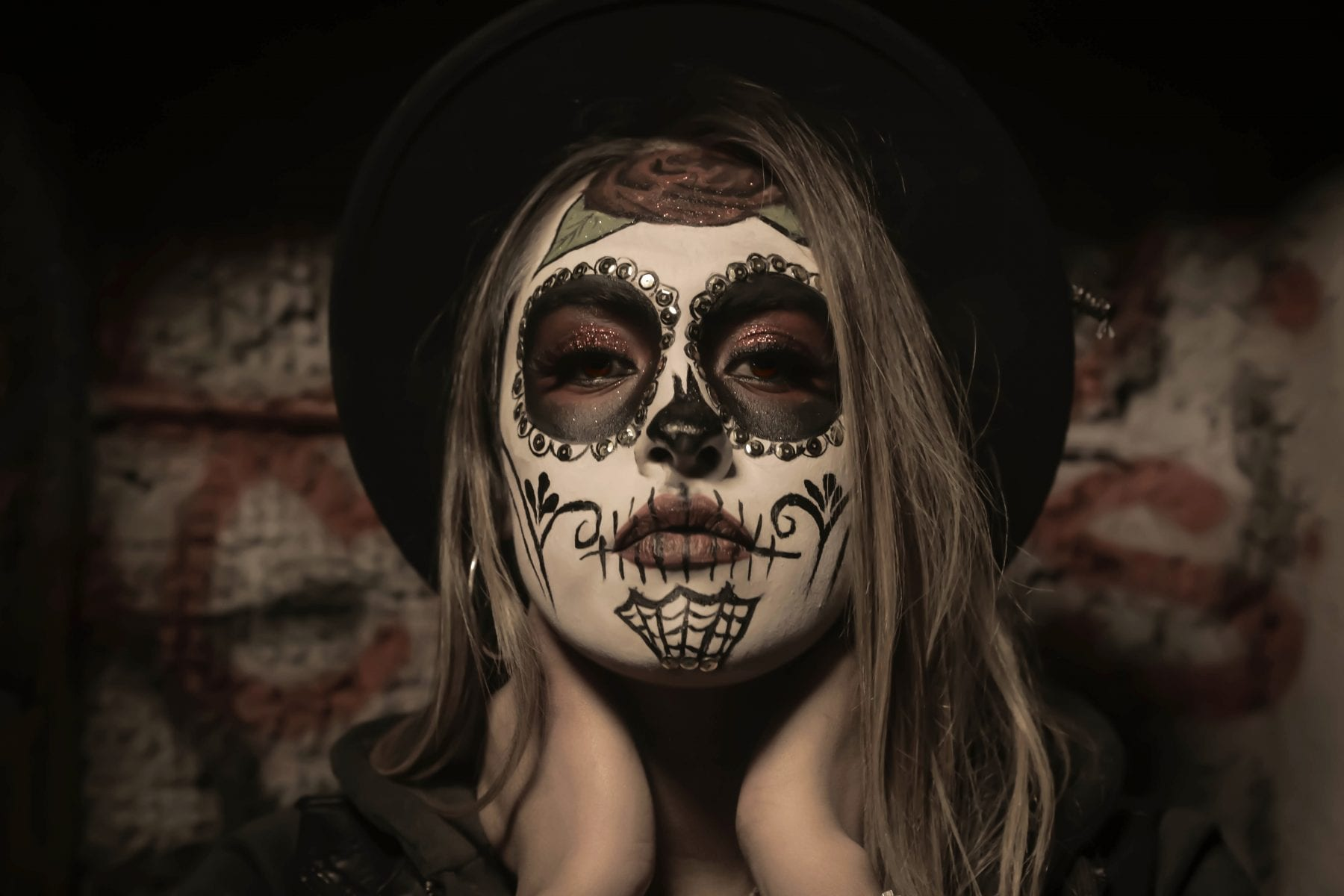 Finde bei uns die besten dunklen Make-Up-Produkte für Halloween