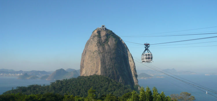 Sugarloaf_mountain_in_Rio_de_Janeiro