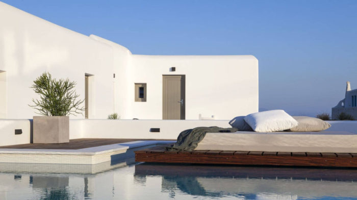 A Travel Guide to Mykonos