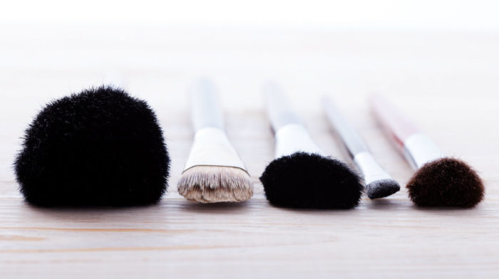 How to Clean Make-Up Brushes Like a Pro