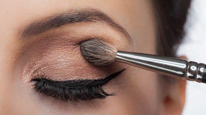 Eyeshadow Tips For Eyeshadow Phobes