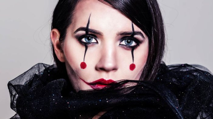 Make-up Tricks for Halloween