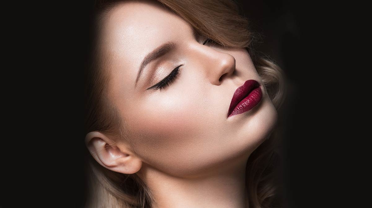 How to Wear Dark Lips for Halloween