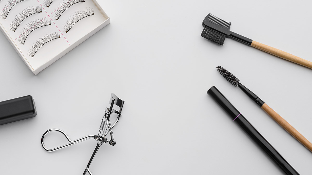 The Best Products to Enhance Eyelash Growth