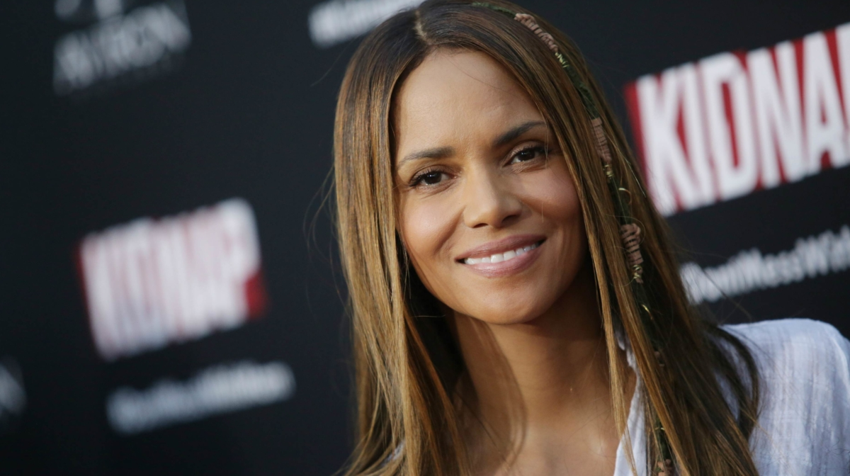 Halle Berry's Must-Have Skincare: The Kinara Red Carpet Facial Kit